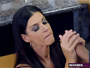 mother ravages son And tongues internal cumshot For Thanksgiving handle