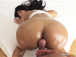 immense bootie Rose Monroe lubricated up and analled