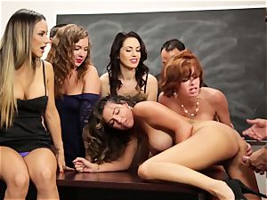 Veronica Avluv flashes super hot damsels how to spray