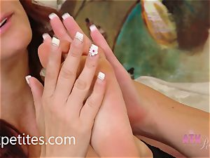 Rahyndee and Alicia Silver play With Each Other's soles