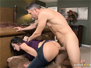 Ariella Ferrera gets forgiven with some anal hookup