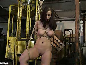 Kathia Nobili spanking the rump of super hot dame with flog