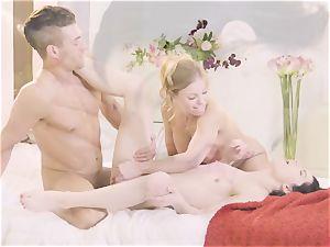Britney Amber and Sadie Blake inhale strung up Xander