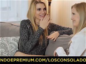 LOS CONSOLADORES - bubble backside female humps boyfriend and gf