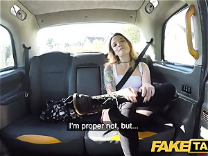 faux taxi puny Kylie Nymphette vag banged