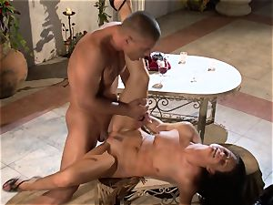 India Summers India Summers is loving the thick man sausage pleasuring her sizzling vagina har