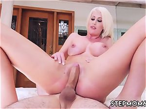 Me mother and gangster cougar oil hd Spying Juan finally Got screwed By Stepmom