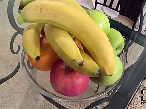 Banana enjoying lesbians