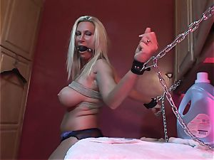 Devon Lee enjoys getting her raw vagina rammed