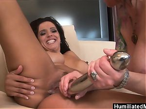 mummies Francesca and Kylie hunger for each others beaver